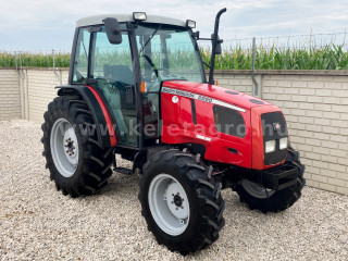 Massey Ferguson 2220-4 Cabin amerikai traktor (1)