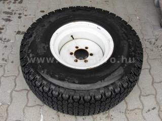 Gumi 315/80D16, fűmintás, felnivel (1)
