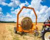 Bálaszállító japán kistraktorokhoz, hidraulikus emeléssel (20)