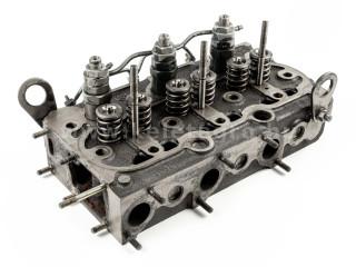 traktor motor Kubota D750 hengerfej, szerelt, használt (1)